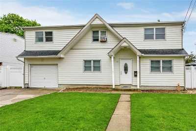Merrick Single Family Home For Sale: 69 Gianelli Ave