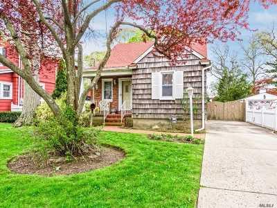 Bellmore Single Family Home For Sale: 245 Oak St