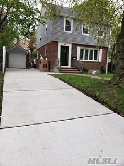 Valley Stream Single Family Home For Sale: 88 Elmont Rd