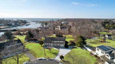 Center Moriches Single Family Home For Sale: 10 Grace Ct