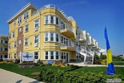 Rockaway Park Condo/Townhouse For Sale: 172 Beach 101 St #13B
