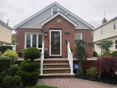 Fresh Meadows Single Family Home For Sale: 48-70 187 St