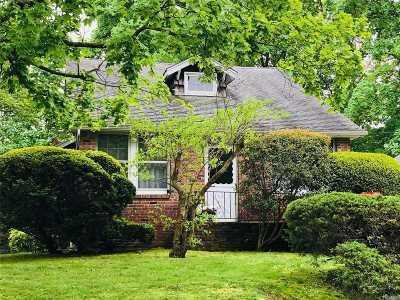 Huntington Sta Single Family Home For Sale: 190 17th Street