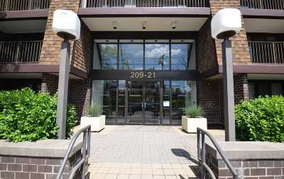 Bayside Condo/Townhouse For Sale: 209-21 26th Ave #3G