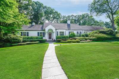 Old Westbury Single Family Home For Sale: 22 Fox Hollow Ln
