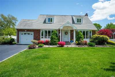 Commack Single Family Home For Sale: 9 Grendon Ln