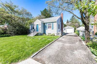 Locust Valley Single Family Home For Sale: 17 7th St