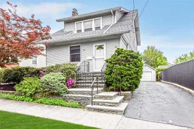Port Washington Single Family Home For Sale: 4 Highland Ave