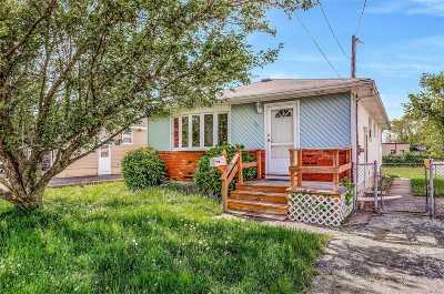 Babylon Single Family Home For Sale: 29 Pine St