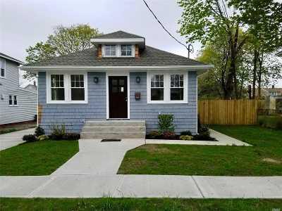 Bay Shore Single Family Home For Sale: 27 Benjamin St
