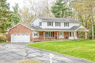 Dix Hills Single Family Home For Sale: 5 Parsons Dr