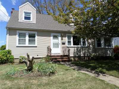 W. Babylon Single Family Home For Sale: 829 Brook St