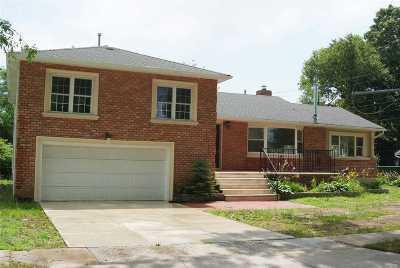 W. Hempstead Single Family Home For Sale: 627 Dogwood Ave
