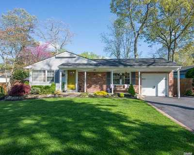 Hauppauge NY Single Family Home For Sale: $465,000