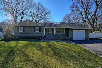 Smithtown Single Family Home For Sale: 92 Hilltop Dr