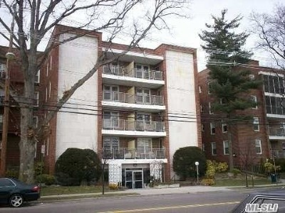 Freeport Co-op For Sale: 110 Brooklyn Ave #3Q