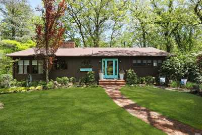 Centerport Single Family Home For Sale: 75 Laurel Hill Rd