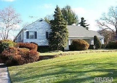 Woodmere Single Family Home For Sale: 116 Woodmere Blvd