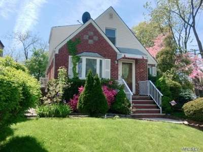 Fresh Meadows Single Family Home For Sale: 187-20 Peck Ave