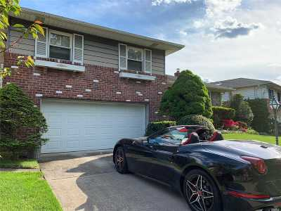 Roslyn Single Family Home For Sale: 74 Stratford North