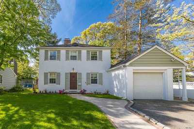 Rockville Centre Single Family Home For Sale: 60 Whitehall Rd