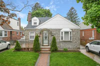 Floral Park Single Family Home For Sale: 8034 255th St