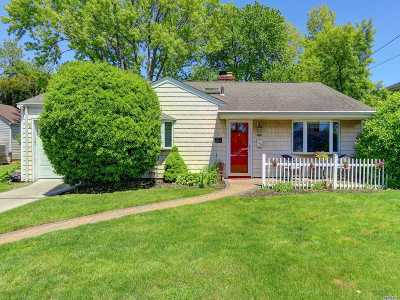 Single Family Home For Sale: 401 Wynsum Ave
