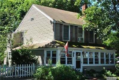 Greenport Single Family Home For Sale: 325 Bridge St