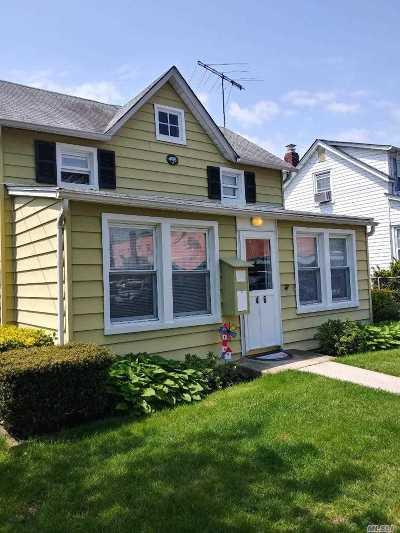 Amityville Single Family Home For Sale: 46 Cedar St