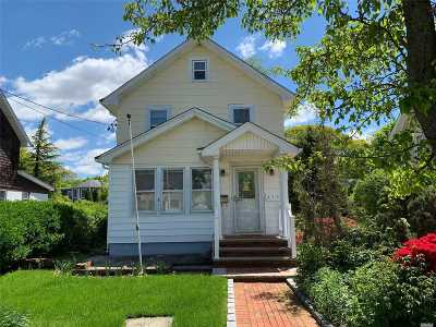 W. Hempstead Single Family Home For Sale: 475 Locust Ter