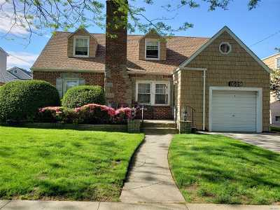 New Hyde Park Single Family Home For Sale: 1609 Imperial Ave