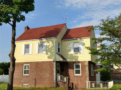 Fresh Meadows Single Family Home For Sale: 193-01 53rd Ave