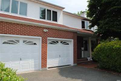 Hicksville Multi Family Home For Sale: 6 Gem Ct