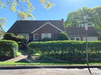 Single Family Home Sold: 1579 Alpine St