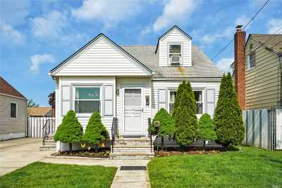 W. Hempstead Single Family Home For Sale: 107 Brooklyn Ave