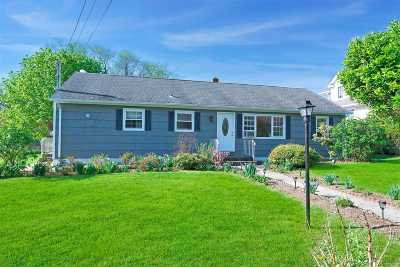 Mattituck Single Family Home For Sale: 395 Central Dr