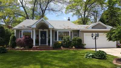 Merrick Single Family Home For Sale: 1554 Sycamore Ave