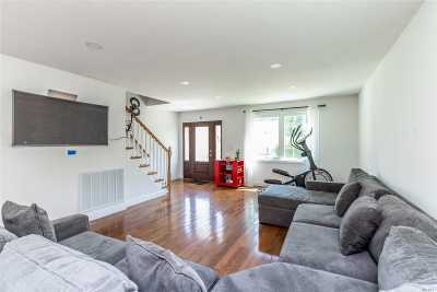 W. Hempstead Single Family Home For Sale: 7 Rhodes Lane