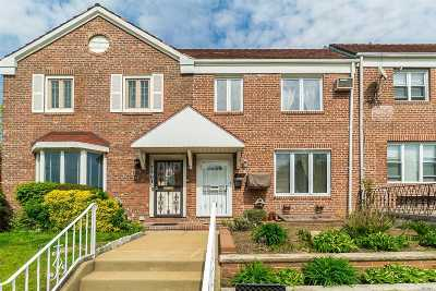 Fresh Meadows Single Family Home For Sale: 75-03 Utopia Pky