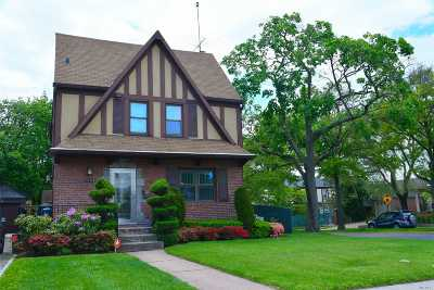 Fresh Meadows Single Family Home For Sale: 75-04 180th St