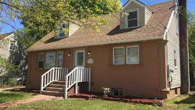 Uniondale Single Family Home For Sale: 391 Lenox Ave