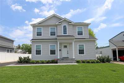 Nassau County Single Family Home For Sale: 45 Linden Blvd