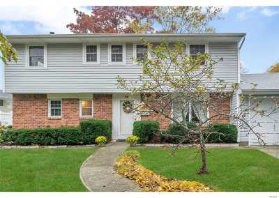 East Islip Single Family Home For Sale: 94 Overlook Dr