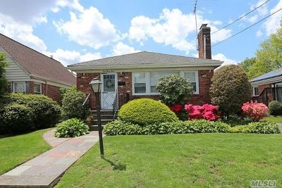 Mineola Single Family Home For Sale: 161 Andrews Rd