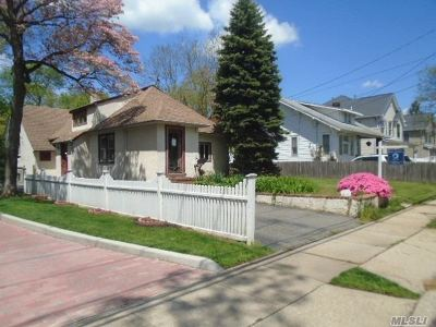 Baldwin Single Family Home For Sale: 2120 Grove St