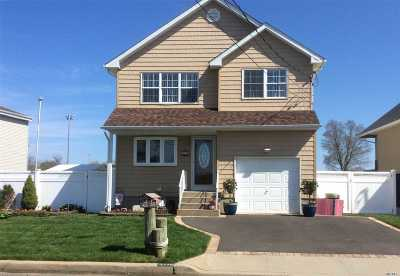 Seaford Single Family Home For Sale: 3730 Somerset Dr