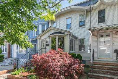 Astoria, Long Island City, Sunnyside, Woodside, Jackson Heights, Middle Village, Maspeth, Glendale, Ridgewood Single Family Home For Sale: 7815 76th St