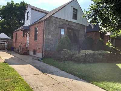 Fresh Meadows Single Family Home For Sale: 6945 179th St