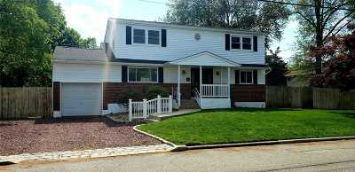 Commack Single Family Home For Sale: 19 Bernard Ln
