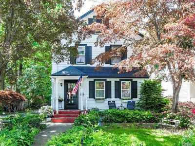 Northport Single Family Home For Sale: 38 Oak St